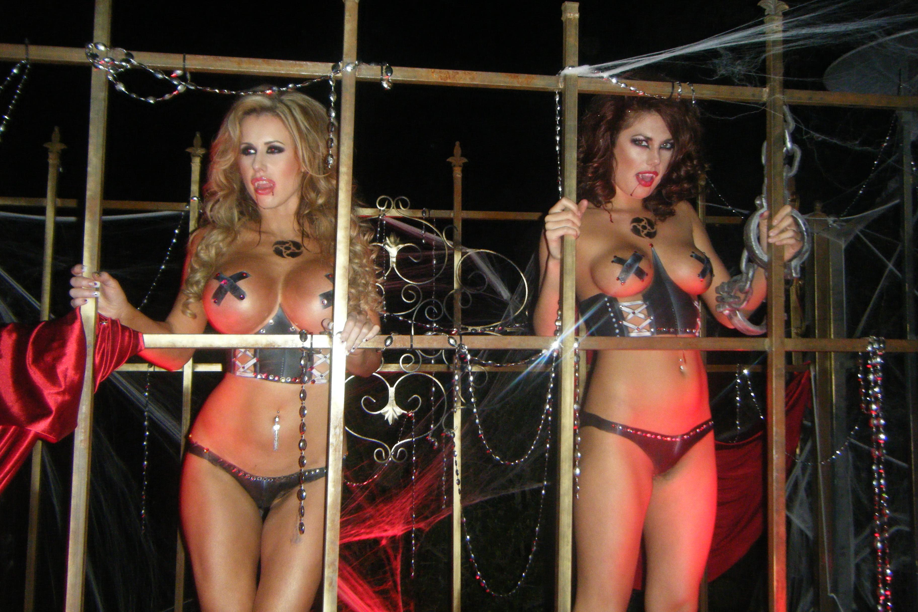 Sexy nude playboy mansion girls nsfw wemen